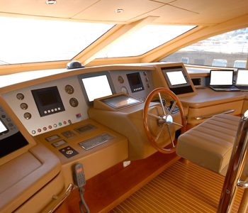 yacht nav equipment